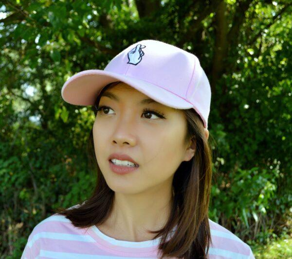 Love Finger hat in pink