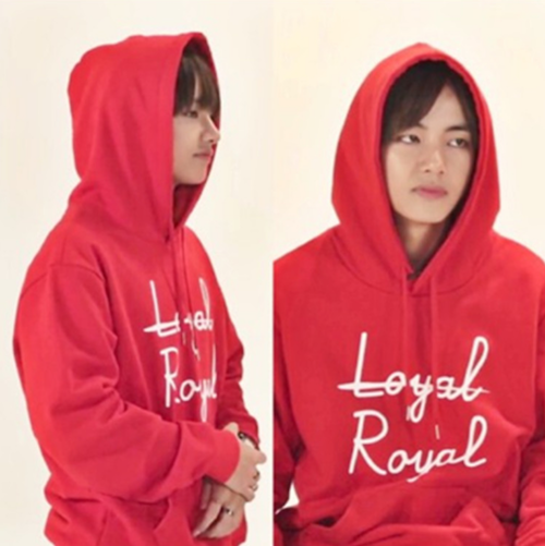 BTS V Loyal Royal Hoodie in rot