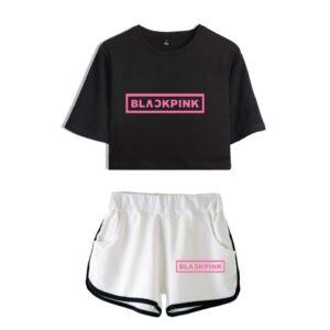 Blackpink schwarz Crop Top und weiße Shorts