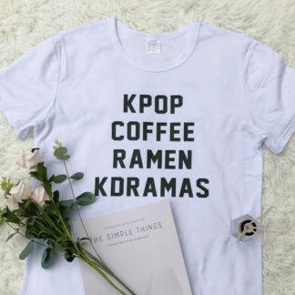 Kpop, café, ramen, kdramas camisa en blanco